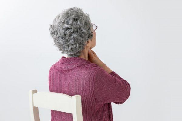 高齢者の肺炎はウイルスや細菌以外が原因のことも!誤嚥性肺炎とは?
